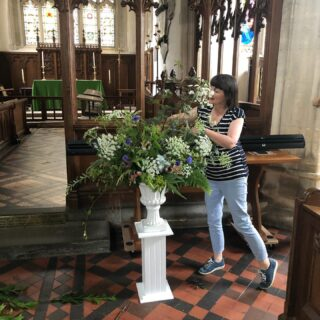 Here is @honeymoonfernflowers in action working on the urn arrangement we created for a wedding in St Lawrence Church, Lechlade at the weekend. It was such a busy week last week and as usual I wouldn't have managed without the @fairford_flower_collective team! Thank you @honeymoonfernflowers @corkyandprince @the_cotswold_garden for providing extra foliage, flowers, your floristry skills and for helping with my deliveries! 🙌🙌💐🌸💐🌸#weddingflowers #britishgrownweddingflowers #locallygrownweddingflowers #urnarrangement #freshcutflowers #sustainablygrowncutflowers #irisandwilfjuly #seasonalcutflowers #cutflowergrowergloucestershire #gloucestershire #growninthecotswolds #cotswolds